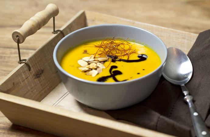 Kürbiscremesuppe mit Orange und Curry