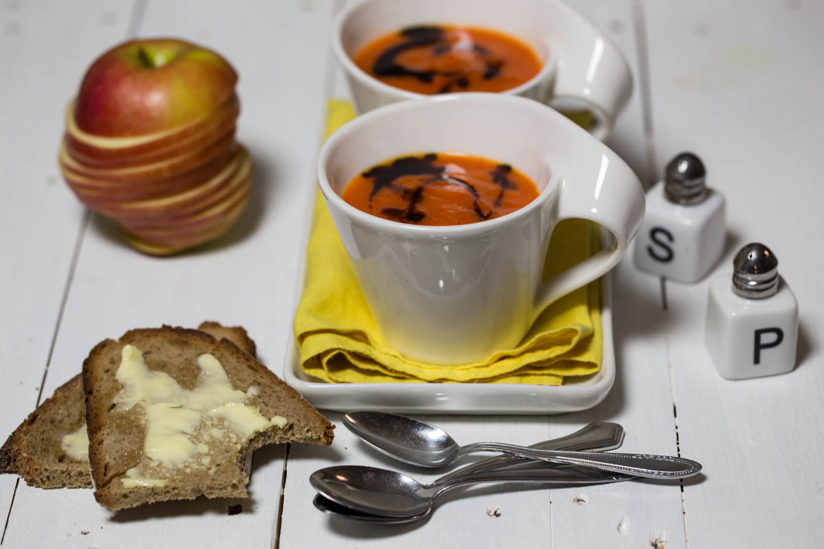 Paprika-Apfel-Suppe