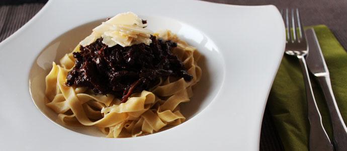 Ochsenschwanzragout mit selbstgemachter Pasta