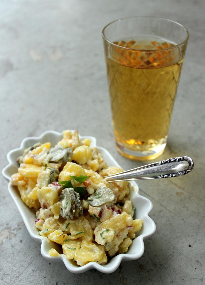 Kartoffelsalat mit Cornichons