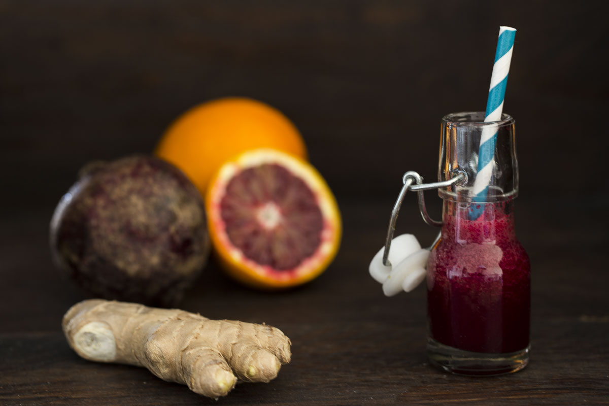 rote-bete-smoothie-in-flasche